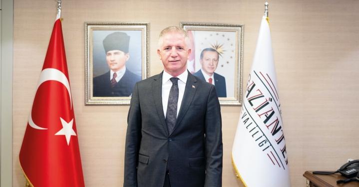 Bu sayımızda dergimizin kapak konuğu Gaziantep Valisi Sayın Davut Gül