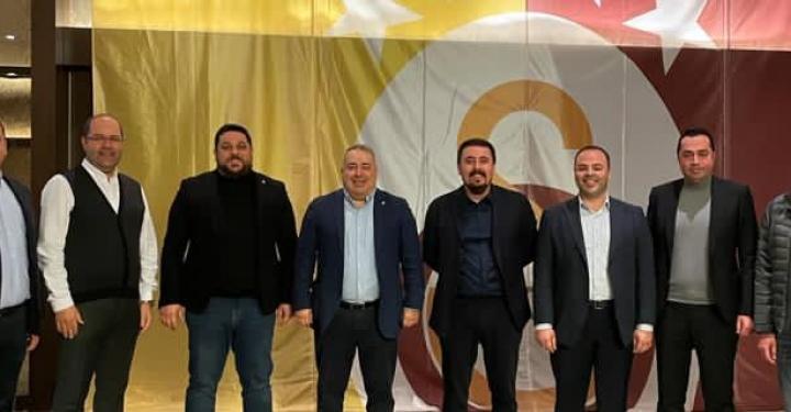 Gaziantep Galatasaray Taraftarlar Derneği'nde Zeki Kumru yeniden başkan seçildi.